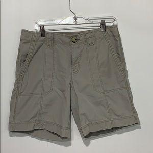 Eddie Bauer hiking shorts size 10 khaki, cotton